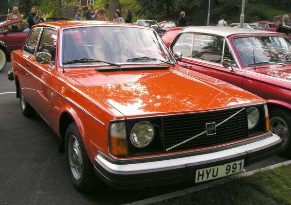 [Image: Volvo%20242%20(1975).jpg]